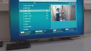 DVB-T2 HD: Sender, Receiver, Karte, Logo – alles zum scharfen Antennen-TV! In Hamburg sind zum Start sechs Sender empfangbar. Unten am Bildrand: Der Receiver Xoro HRT 8720 für rund 70 Euro. ©COMPUTER BILD