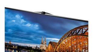 Samsung UE40F8090 - der Alleskönner-Fernseher Die ausklappbare Kamera im Samsung F8090 ist für die alberne Gestensteuerung und für Skype-Telefonate. ©Samsung