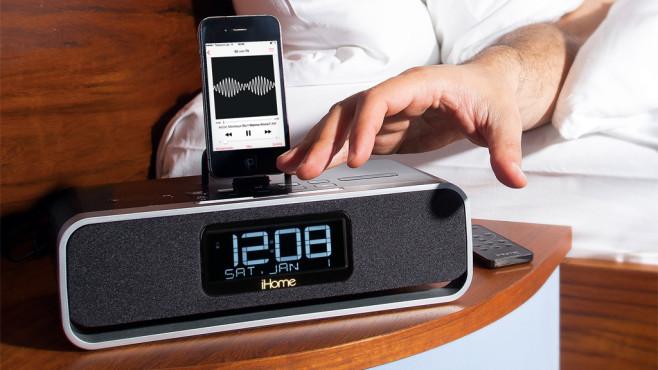 wachmacher im test radiowecker mit ipod dock audio video foto bild. Black Bedroom Furniture Sets. Home Design Ideas