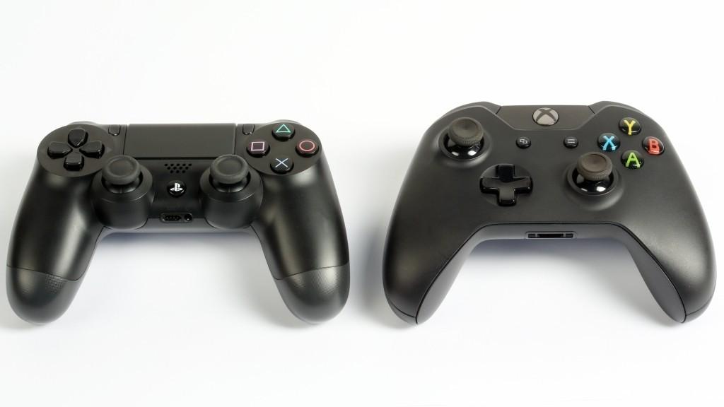 PS4 vs  Xbox One  Die Controller im VergleichXbox One Controller Vs Ps4 Controller Size