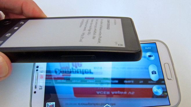 Yotaphone mit E-Ink-Display © COMPUTER BILD