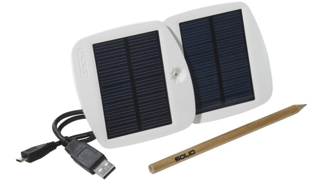 Solio Bolt Battery Pack + Solar Charger (Pearl White) © Solio, Amazon