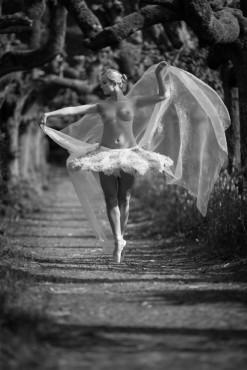 Ballerina16 ©Photorazzi