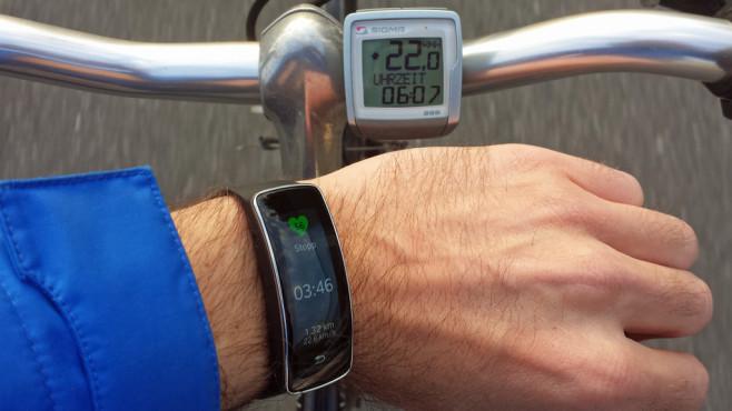 Samsung Gear Fit Radfahren ©COMPUTER BILD