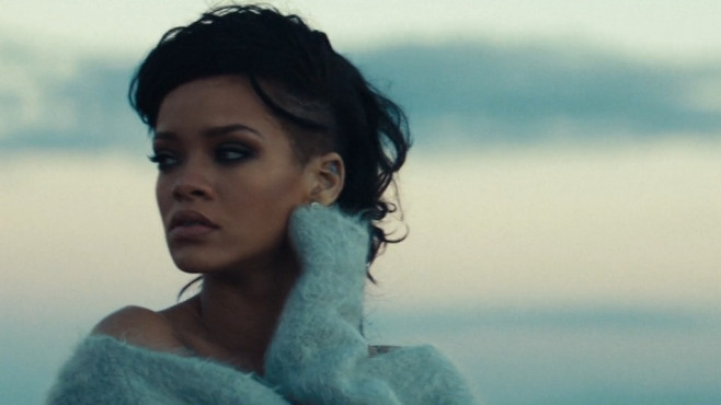 "Ausschnitt aus dem Musikvideo ""Diamonds"" von Rihanna © The Island Def Jam Music Group"