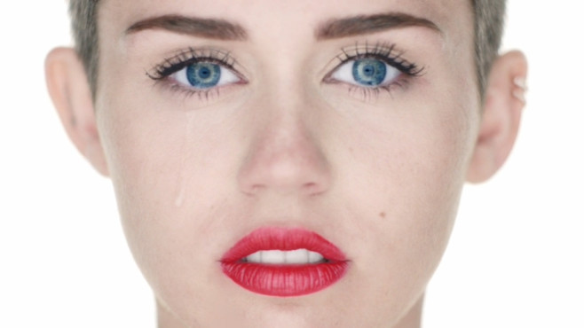 Ausschnitt aus dem Musikvideo �Wrecking Ball� von Miley Cyrus © RCA Records, a division of Sony Music Entertainment