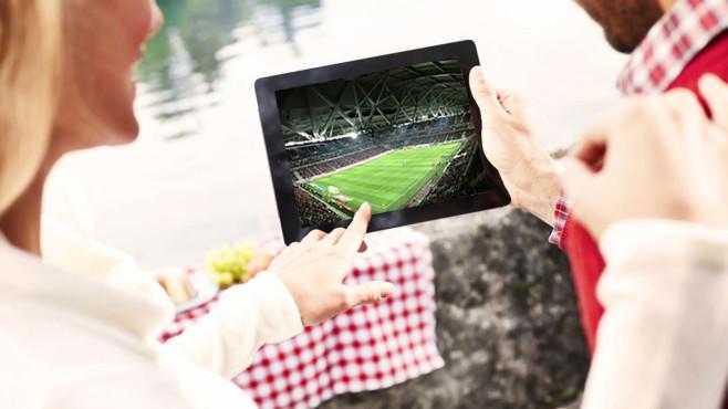 WM live und mobil: Fernsehen mit Notebook, Tablet und Smartphone ©Magine TV, Pixabay