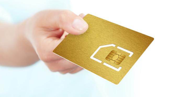 Rückgabe SIM-Karte ©pictoores - Fotolia.com
