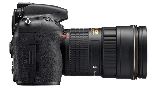 Nikon D810 rechts ©Nikon