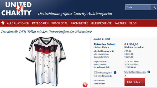 Online-Auktion: Mannschafts-Trikot © United Charity