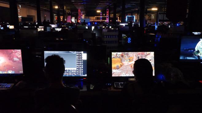 QuakeCon 2014: Monitore ©COMPUTER BILD SPIELE