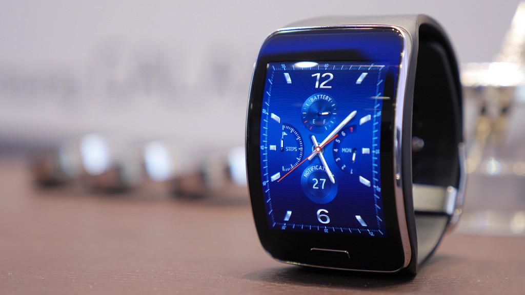 Samsung Gear S: Samsungs Smartwatch Am Handgelenk