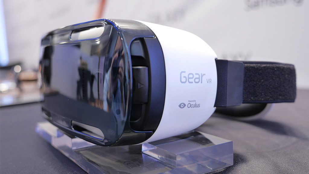 samsung gear vr blick in die virtual reality brille. Black Bedroom Furniture Sets. Home Design Ideas
