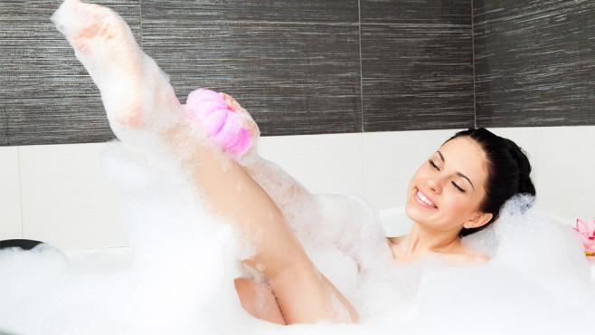 Vom Badezimmer zum Wellness-Tempel Das Badezimmer ist zum Entspannen da. COMPUTER BILD stellt Ihnen smarte Gadgets vor, die Ihr Bad in eine Wellness-Oase verwandeln. ©mast3r, Fotolia.com