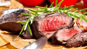 Rezept-Tipp vom Griller: gegrillte Hirschsteaks ©karepa - Fotolia