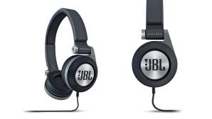 JBL Synchros E30 ©JBL