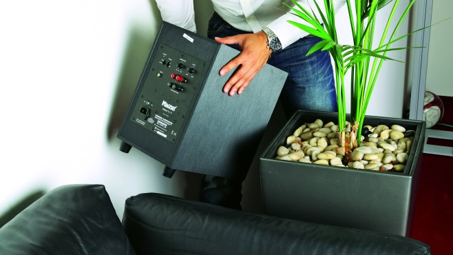 Subwoofer verstecken © AUDIO VIDEO FOTO BILD
