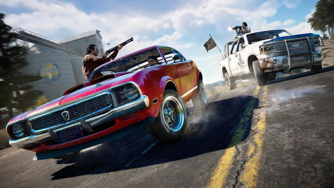 Far Cry 5 angespielt: Redneck Rampage! Bei Verfolgungsjagden hängt sich im Koop-Modus ein Spieler aus dem Fenster und schießt, während der andere den Wagen steuert. ©Ubisoft