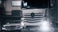 "Mercedes-Benz: ""Dirty Driving"" © Mercedes"
