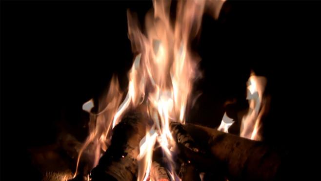 Kaminfeuer: Kuschel-Atmosphäre jederzeit ©COMPUTER BILD
