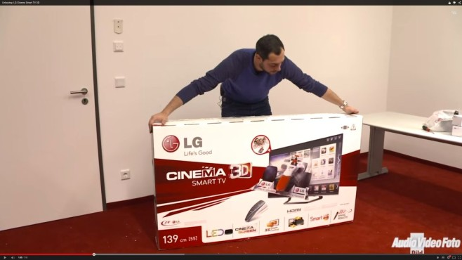 Unboxing: LG Cinema Smart TV 3D © COMPUTER BILD