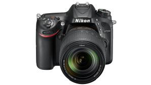 Nikon D7200 mit AF-S DX 18-140 VR Zoom ©Nikon