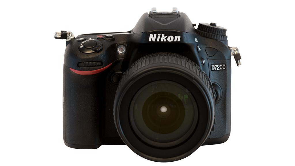 Nikon D7200 mit AF-S DX 18-105 VR Zoom ©Nikon