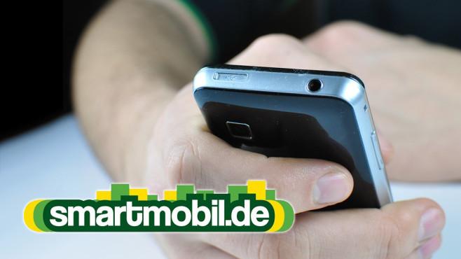 Neue LTE-Allnet-Flats bei Smartmobil.de Vieltelefonierer und -surfer freuen sich �ber die neuen Allnet-Flat-Tarife und den dazugeh�rigen LTE-Datenturbo. ©Smartmobil, PHILETDOM-Fotolia.com