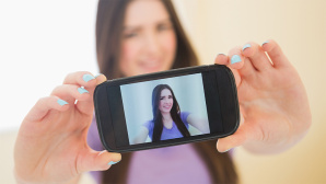 Voll im Trend: Selfies gehen immer und überall! ©WavebreakmediaMicro - Fotolia.com