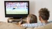 Fernsehen als Event: Jeder f�nfte Deutsche tauscht sich w�hrend dem Fernsehen auf sozialen Netzwerken aus ©Image Source/gettyimages