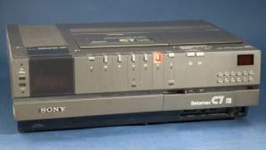 Vor genau 41 Jahren stellte Sony seinen ersten Betamax-Recorder auf der Elektronikmesse CES vor. ©science & society piture library / gettyimages