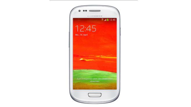 Samsung Galaxy S3 Mini ©Real