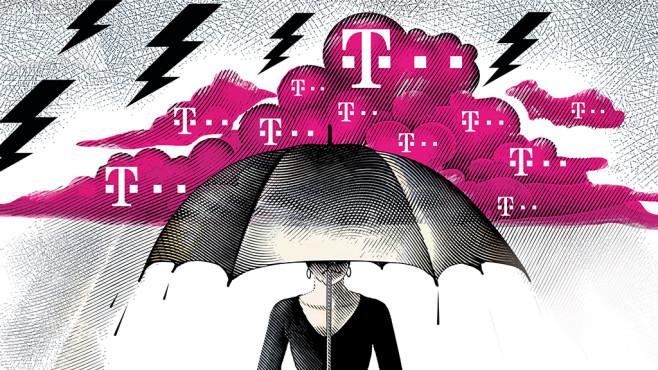Frau mit Regenschirm unter Telekom-Wolke ©©istock.com/George Peters