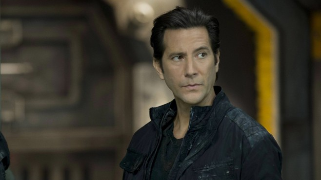 The 100: Henry Ian Cusick © Warner Bros. Entertainment Inc.