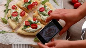 Pizza Foto Smartphone ©IwonaMarzenaSisters - Fotolia.com