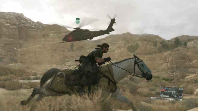 Metal Gear Solid 5: Pferd vs. Helikopter © Konami