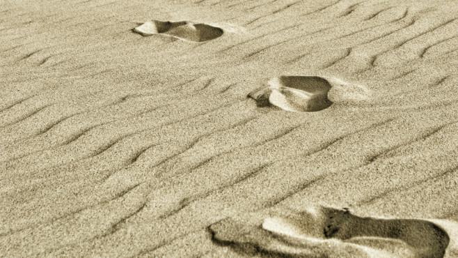 Spuren im Sand ©ReneBeukert