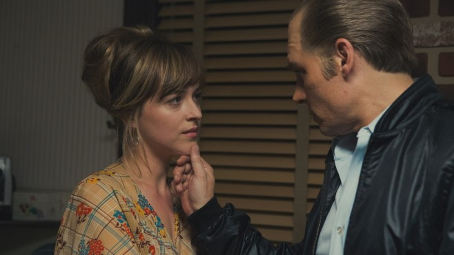 Szene aus Black Mass: Dakota Johnson, Johnny Depp © Warner Bros./Claire Folger