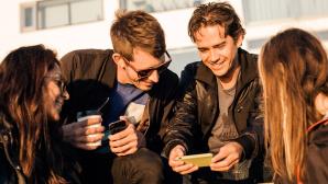 Streaming-Spaß mit Freunden ©Apeloga AB/gettyimages
