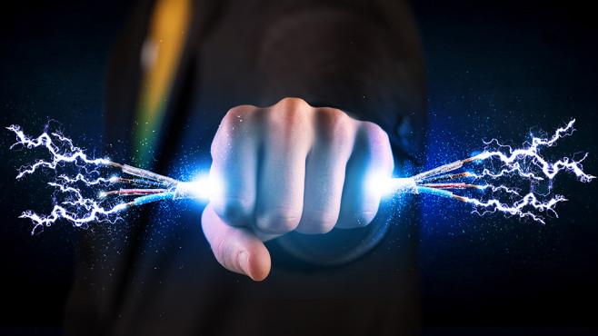 Stromanbieter erhöhen die Preise ©ra2 studio – Fotolia.com