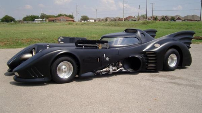 Batman: Batmobil © Chicks Love the Cars