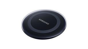 Das beliebteste Zubehör für Samsungs Galaxy-Familie Besitzt Ihr Galaxy die Fähigkeit zum induktiven Laden, brauchen Sie es einfach nur auf eine entsprechende Station auflegen. ©Samsung