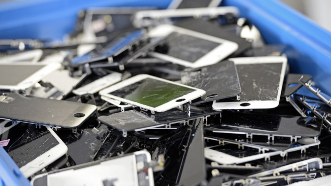 defekte iPhones © STEPHANE DE SAKUTIN / getty images
