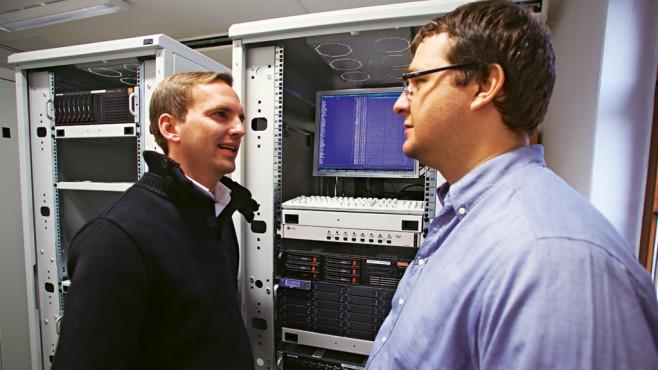 Mathias Otten (COMPUTER BILD diskutiert mit Andreas Marx (AV-Test) ©COMPUTER BILD
