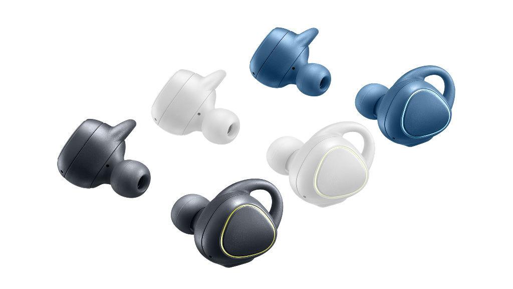Samsung Gear IconX: Bluetooth-Kopfhörer mit Musikplayer und Fitness-Tracker Samsung bietet den In-Ear-Kopfhörer Gear IconX in drei Farben an. ©Samsung