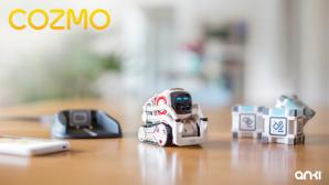 Anki-Cozmo: Roboter mit Herz kommt nach Deutschland Der kleine Roboter Cozmo in Aktion: Der smarte Spielgefährte kann Emotionen zeigen und spielt gerne. ©Anki Cozmo