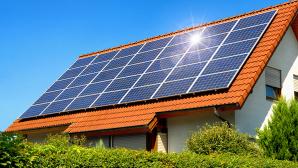 Mit Sonnenenergie Stromkosten senken ©Smileus � Fotolia.com