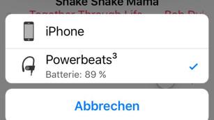 Am Beats Powerbeats3 Wireless haben nicht nur Sportler ihre Freude Die Kopplung des neuen Powerbeats3 klappt mit iOS Geräten besonders einfach. Die zeigen auch den Akkustand des Beats Kopfhörers. ©COMPUTER BILD