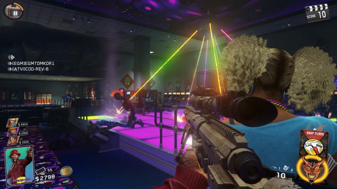Call of Duty – Infinite Warfare: Der große Neubeginn Die Discokugel über der Tanzfläche des Spaceland-Vergnügungsparks brennt vorwitzigen Zombies eins über den Pelz. ©Activision