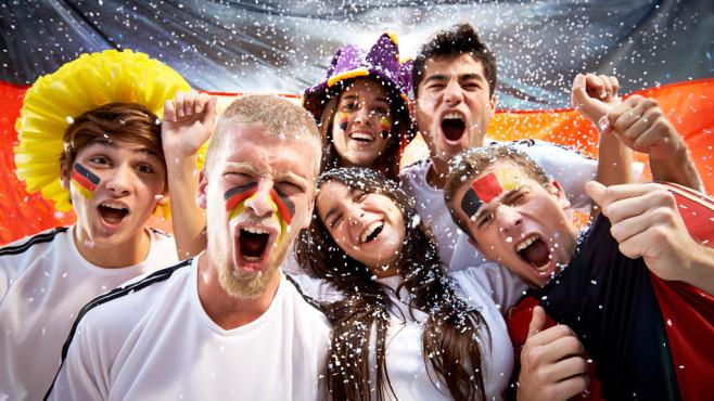 Fußball-EM 2020 wieder bei ARD und ZDF im Programm Grund zum Feiern – die EM 2020 bleibt in der Hand der Öffentlich-Rechtlichen Sender und somit für den Zuschauer kostenfrei. ©Domino, Getty